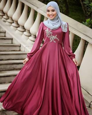 model gaun pesta muslim