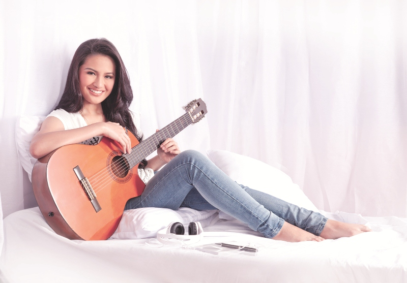 Julie Anne San Jose, Album, I'll Be There, Kapuso Singers, GMA 7, GMA Records, Youtube sensation, 14 Million Hits, Julie Anne Super Bass, Super Bass Cover, Just One Summer, Pretty Julie Anne San Jose, Julie Anne San Jose Cover