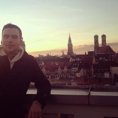 Blick vom Wooden Chalet auf München