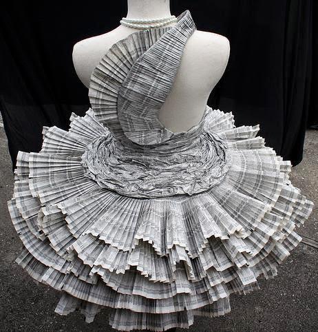 roupa de jornal costas