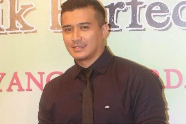 Aaron Aziz Tak Baca Novel Adaptasi Filem Elak Rasa Keliru