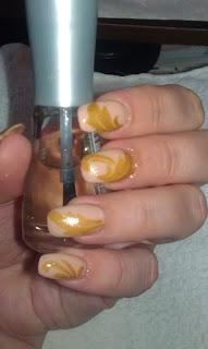 бумажный дизайн ногтей: