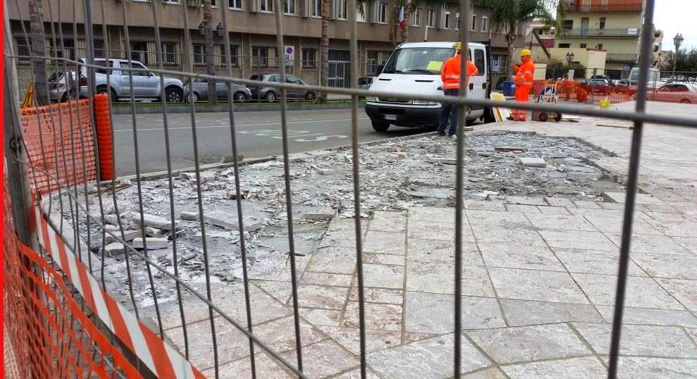 Modifiche alla viabilit piazza roma e piazza san papino for Papino arredi catania