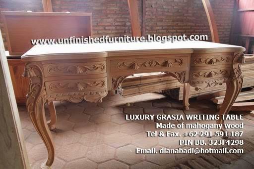 Mebel klasik furniture klasik meja tulis ukir klasik meja tulis mewah ukir , meja tulis mewah ukir jepara, meja tulis klasik jepara, meja tulis solid kayu mahoni, meja tulis klasik jepara