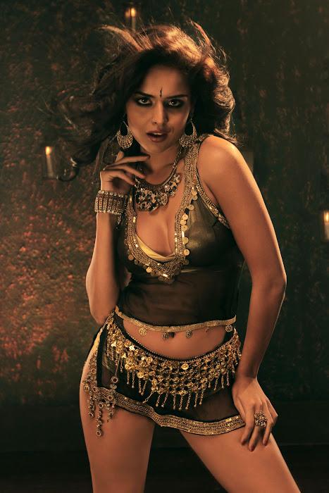 nathalia kaur from department movie, nathalia kaur glamour  images