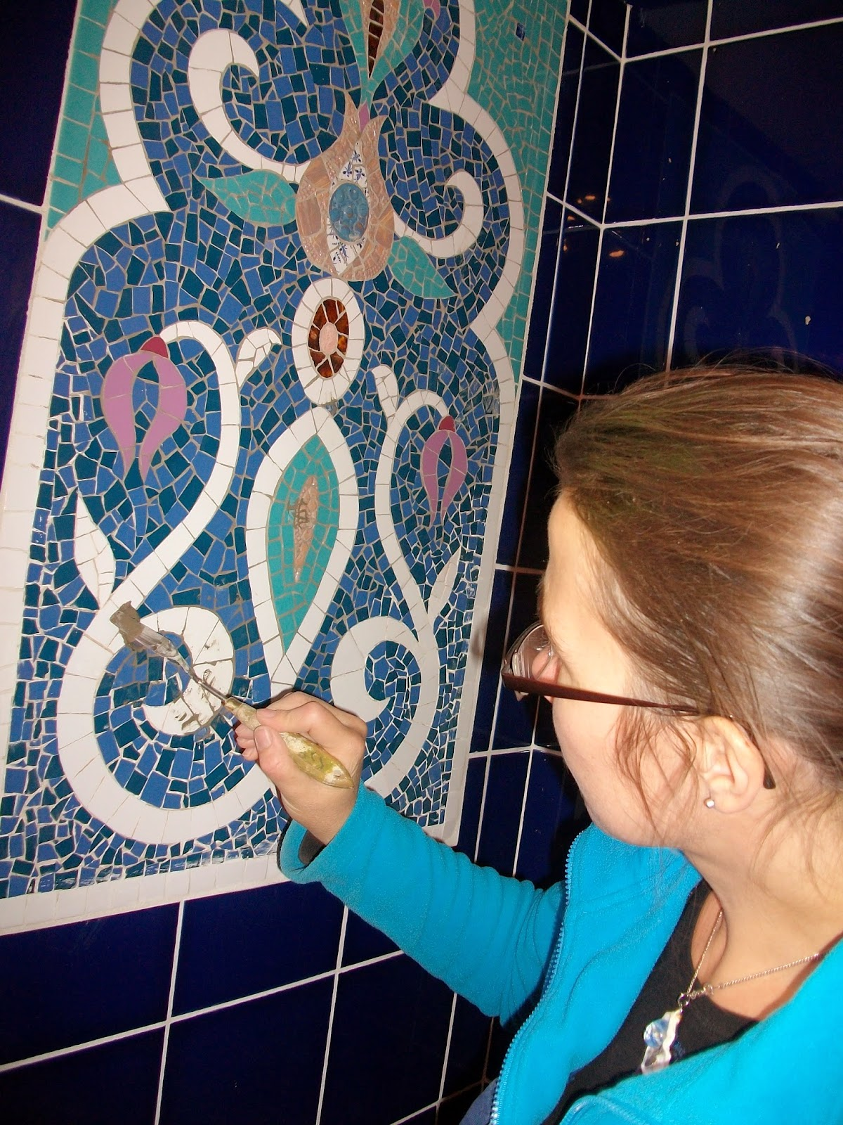 severine peugniez mosaîste professionnel création de décor et fresque sur commande salle de bains douche jacuzzi salle d'eau pour client particulier tarif raisonnable