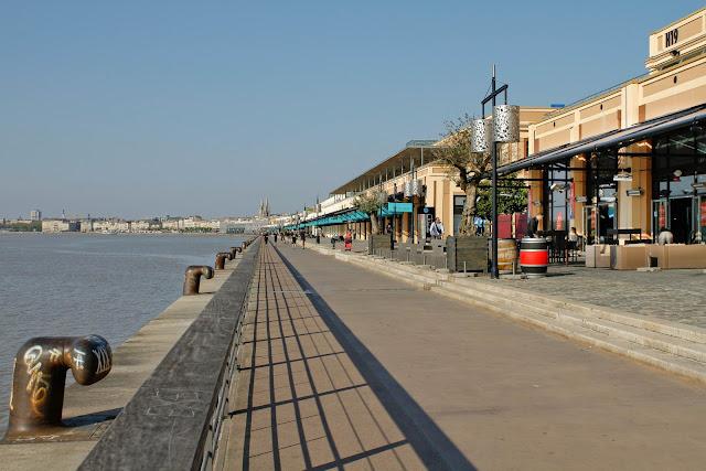 Bordeaux et ses environs f vrier 2011 for Appartement bordeaux quai des marques