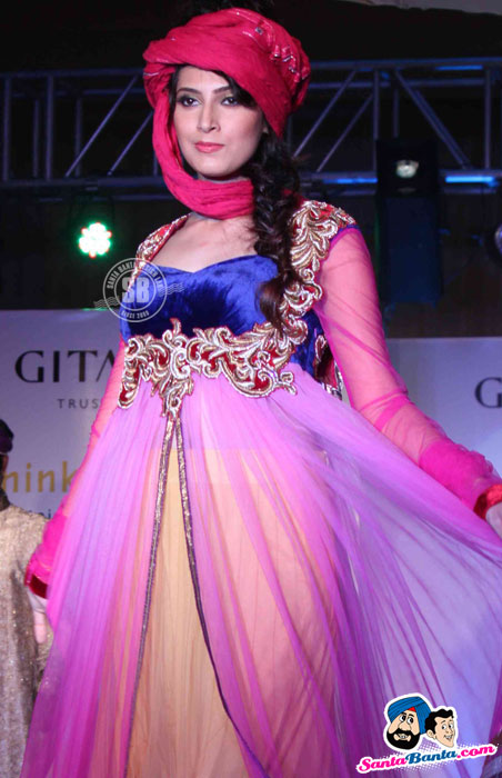 Model Walk the Ramp at Global Movie Independence Fashion Show  - (12) - Global Movie Independence Fashion Show Photos