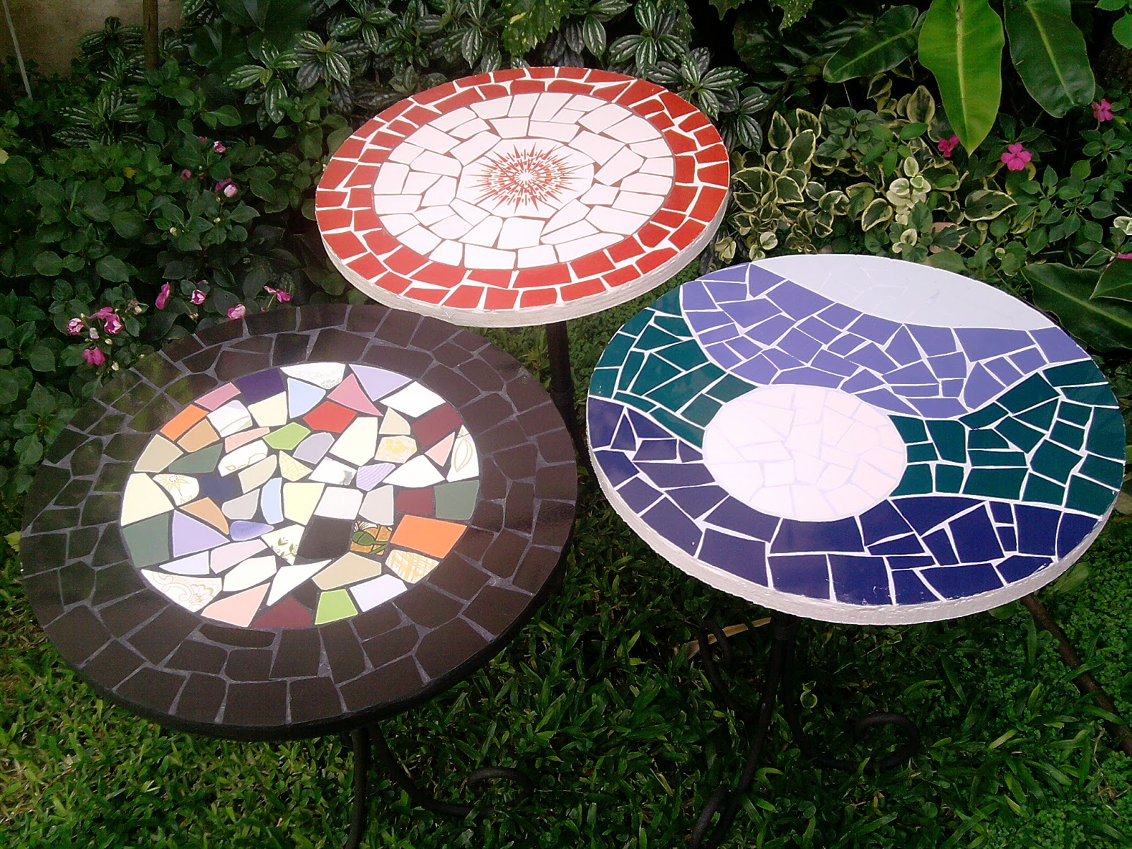 Mambanegra mosaicos mesas redondas 45 cm di metro for Mosaicos para jardin