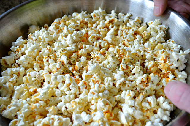 Buffalo-Ranch-Popcorn-From-Scratch-No-Ranch-Packet-Deliciousness.jpg