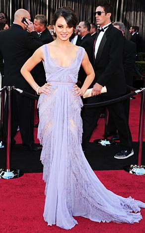 Mila+Kunis+academy+awards+2011+Red+Carpet