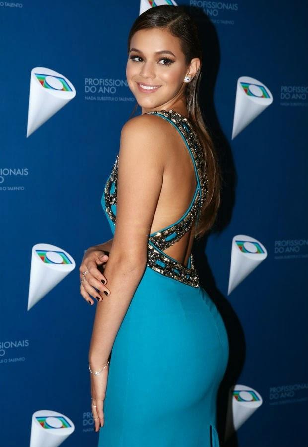 Ao ser questionada se estava solteira após o fim do namoro com Neymar e o  affair com Rafael Sumar 16d53dd5632
