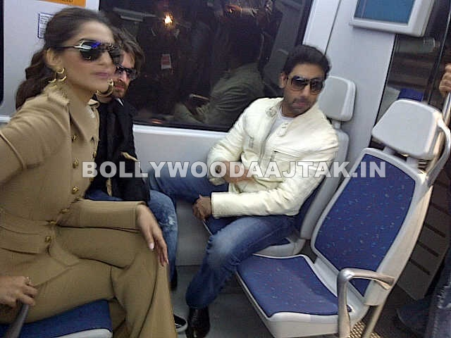 1 - Sonam Kapoor, Abhishek Bachchan and Neil Nitin Mukesh promote players in delhi
