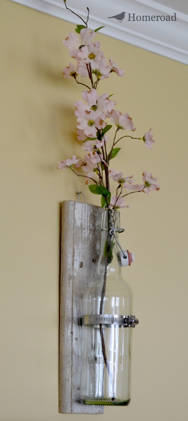 Rustic wall vase homeroad - Things to put on a wall ...