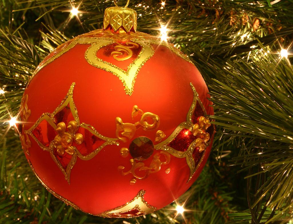 http://3.bp.blogspot.com/-V746g1ys8QY/Tqa1ipG9PVI/AAAAAAAACfc/Rwlsc3RUWpg/s1600/christmas-wallpapers-lopo+cendana.jpg