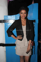 Asin hot UNSEEN cleavage show