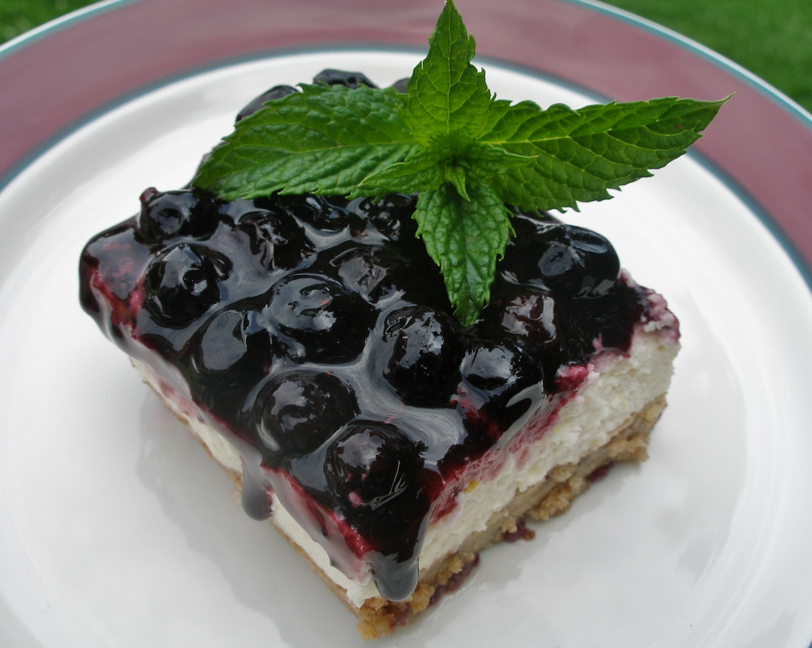 A Messy Kitchen: Blueberry Cheesecake Bars