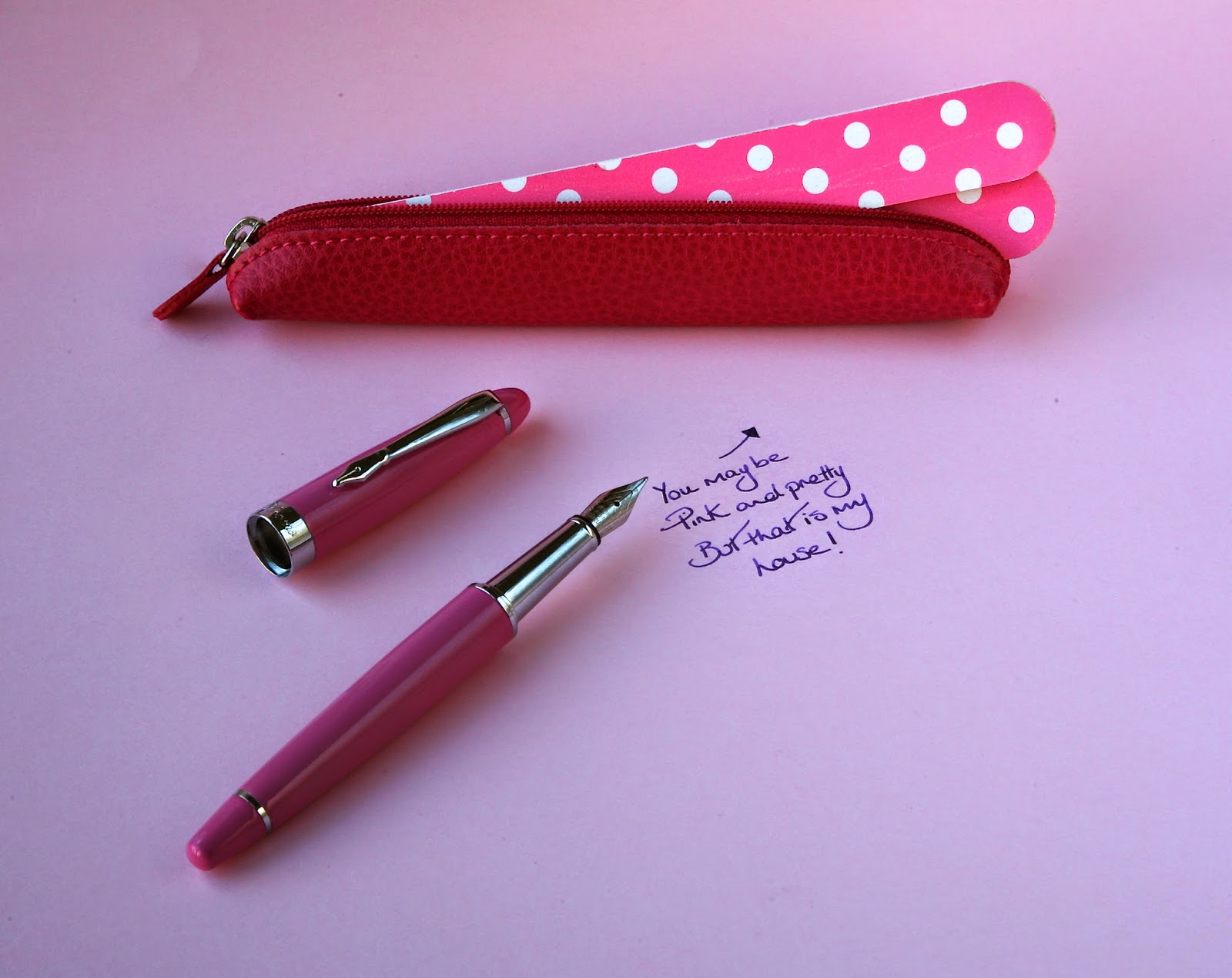 Pink PLOOMS fountain pen