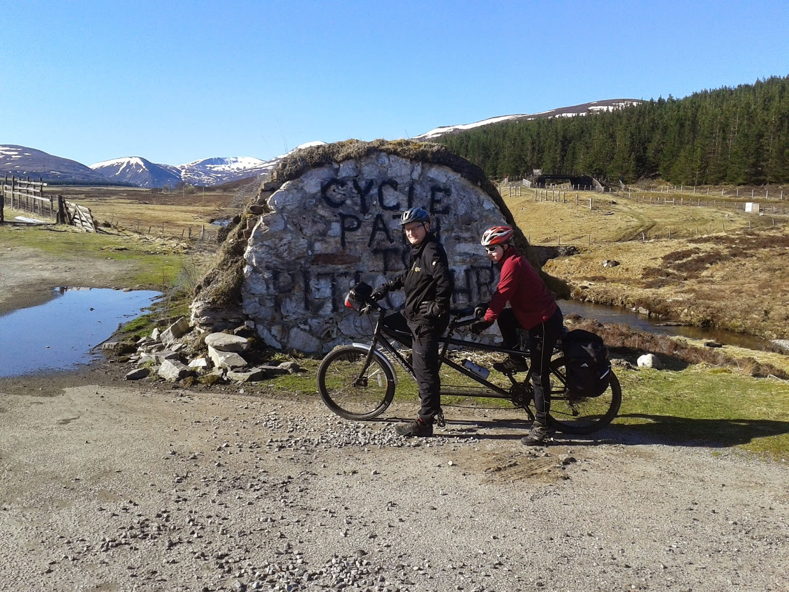 Start of the cycle route to Pitlochry