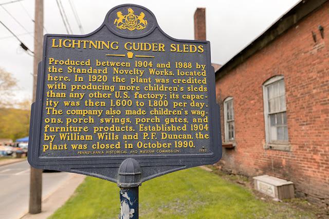 Lightning Guider Sled Sign