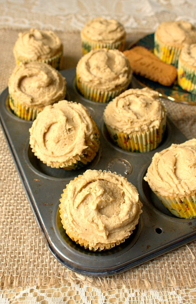 Speculaas Spiced Cupcakes aka Speculoos, Biscoff or Cookie Butter