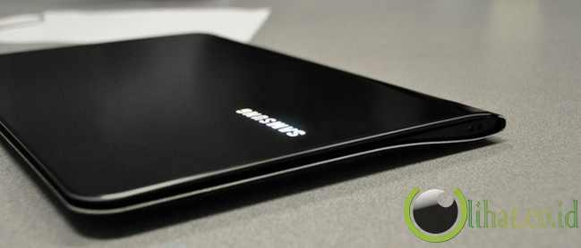 10 Gadget Berwarna Hitam yang paling Keren tahun 2013 3
