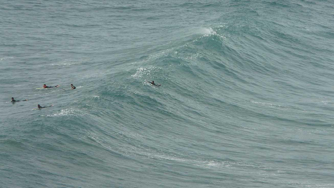 sesion otono menakoz septiembre 2015 surf olas grandes 04