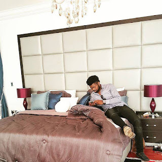 Comedian Basketmouth in Linda Ikeji's bedroom