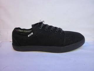 Sepatu Vans Chukka hitam murah