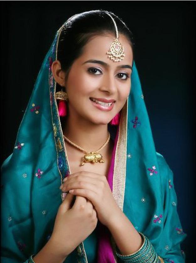 Beautiful pakistani girls and women