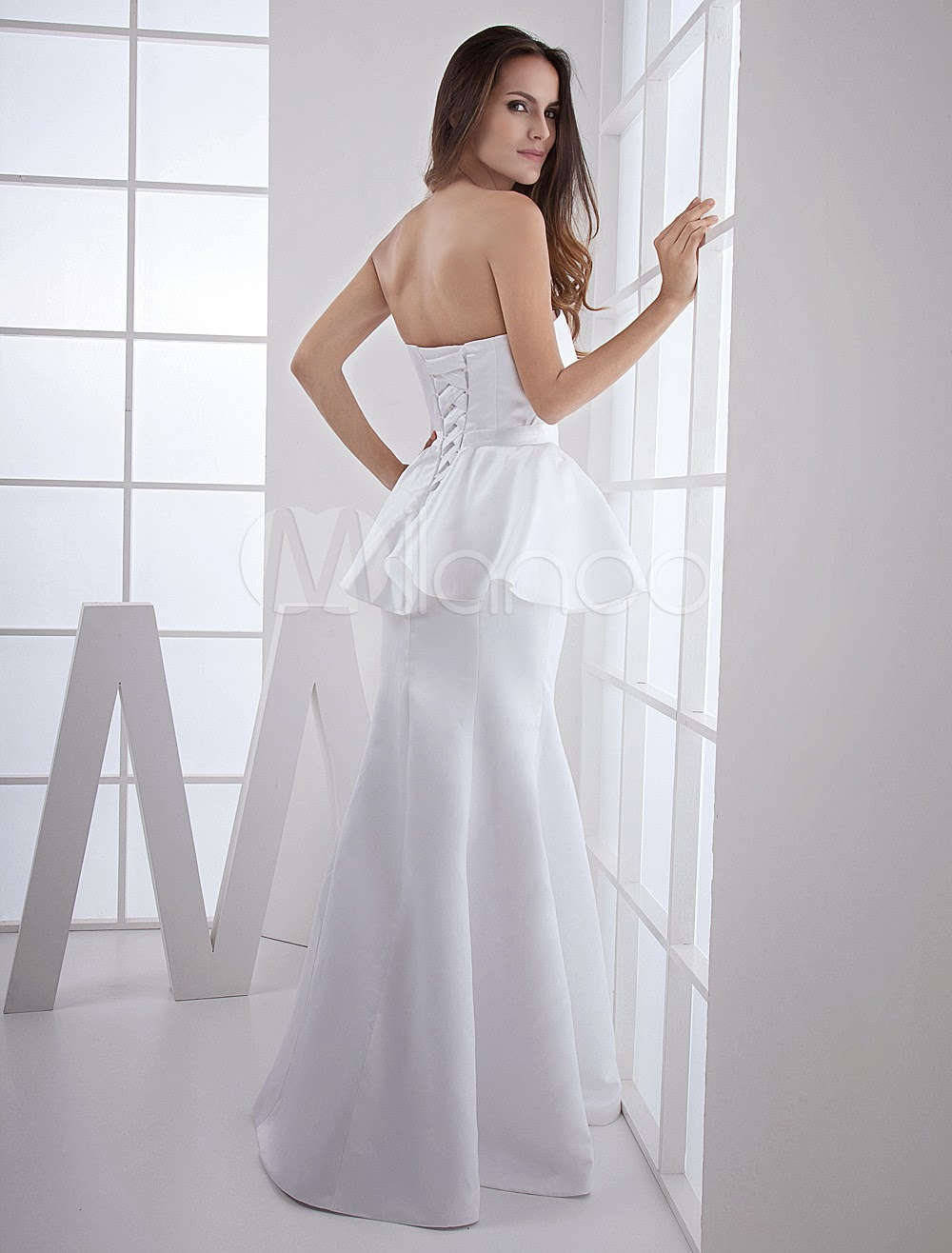 China Wholesale Dresses - White Satin Strapless Ladies Evening Dress