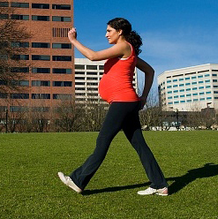 Rajin Olahraga Supaya Ibu Hamil Mudah Melahirkan Normal