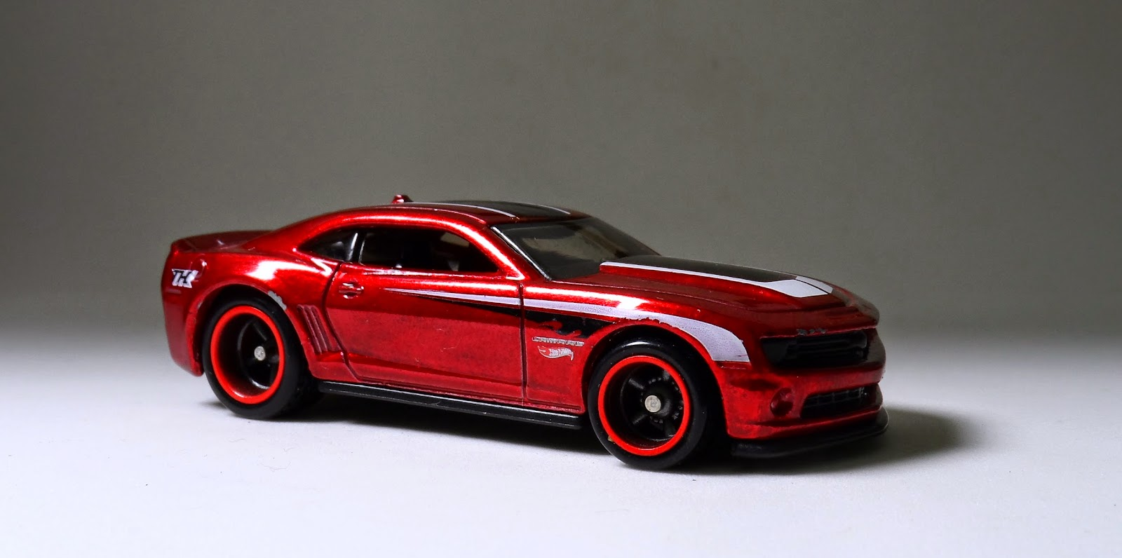 """HW 2013 Hot Wheels Chevy Camaro Special Edition """"Superized"""" 2014"""