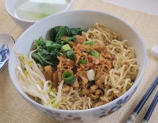 Resep Mie Ayam Solo Pangsit Ala Rumahan Enak | Resep Masakan Lengkap