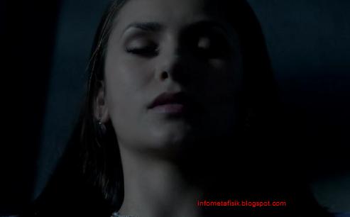 Julia Caples 'Vampire' Asli Dari AS