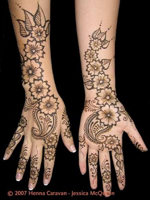 Mehndi designs which are simple mehndi designs and look very dashing
