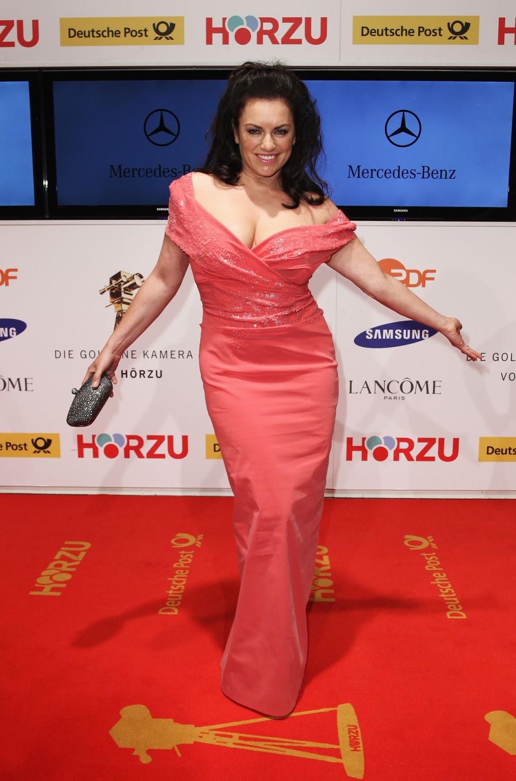 Christine Neubauer Hot Cleavage HD Photos at Goldene