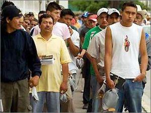 Τα μαζεύουν και φεύγουν οι μετανάστες