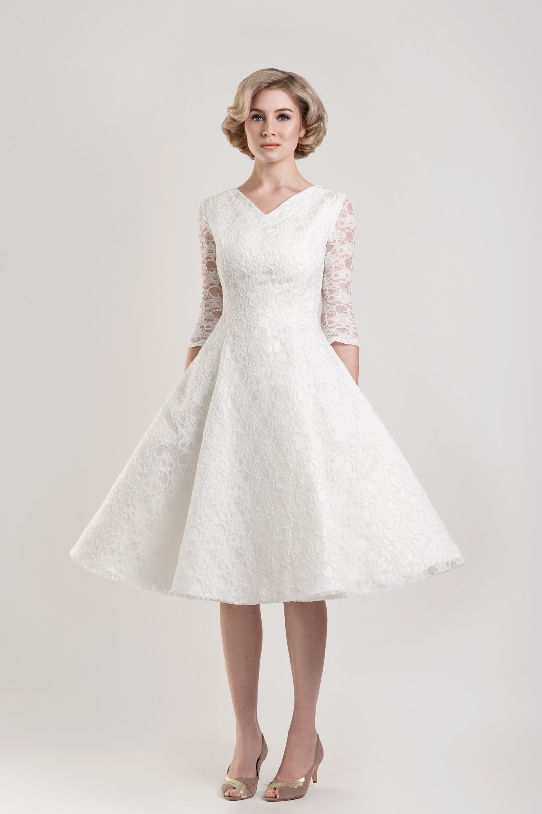 Short wedding dresses for older brides for Wedding dress for a short bride