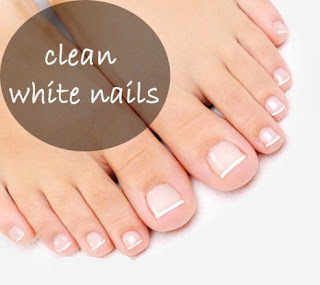 Clean white nails vinegar