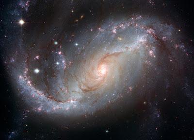 Cosmologia e Astrofísica Avanços da ciência
