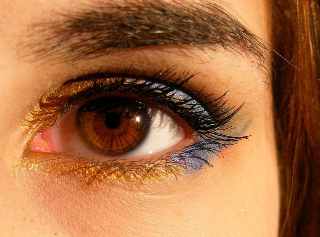 tips to get rid of under eye wrinkles, crows feet and dark circles