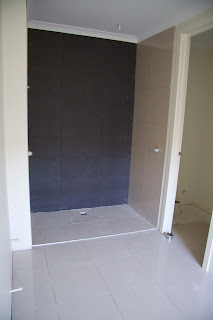 Tilingbathroom Wall on Paul And Nats House Build  Day 128  Tiling Progress