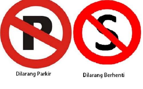 Antara Polisi dan Sopir Taksi Pilih Parkir Atau Berhenti
