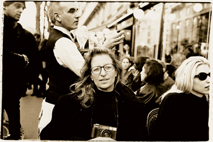 Annie Leibovitz Is Hollywoods It Photographer Started Her Journey As A Off At Rolling Stone Where She Was Given Big Break Touring