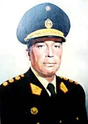 Francisco Morales Bermúdez de militar