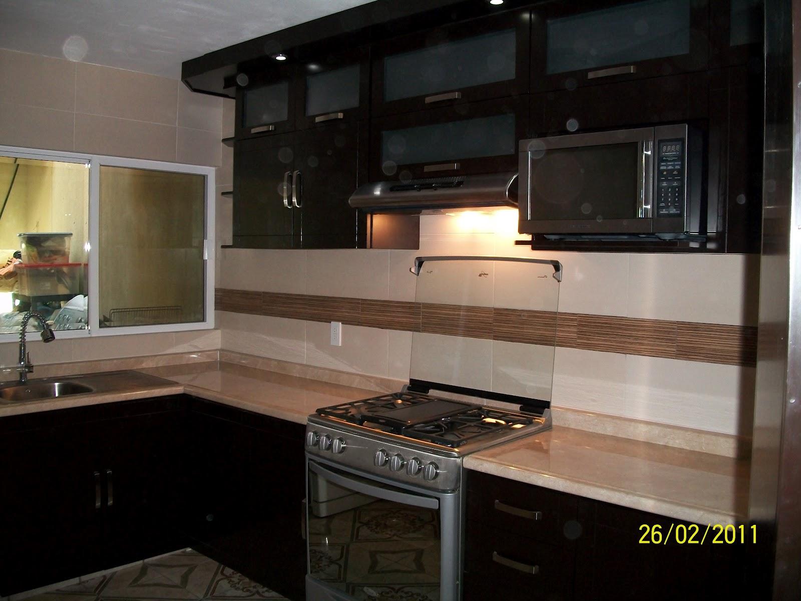 Carpinter a fina galeria for Planos para cocina integral de madera