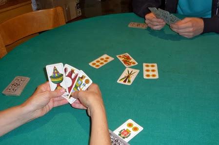Come si gioca al poker a 5 carte