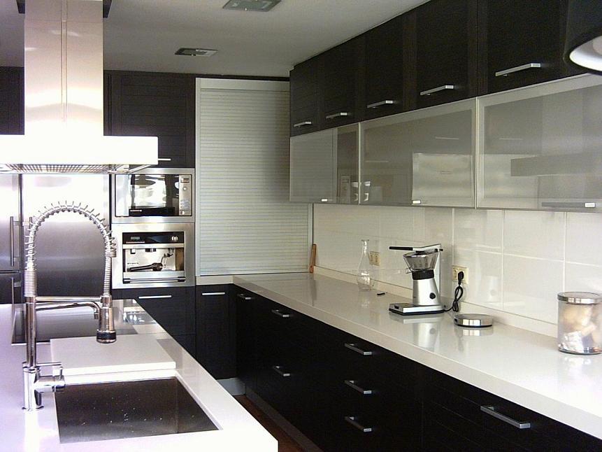 Los complejos rincones de la cocina cocinas con estilo for Muebles altos de cocina