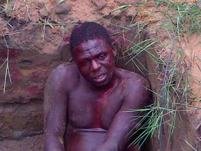 Pictures: Mob Catch & Beat Up Thief Till He Bleeds In Delta State 1226721_IMG-20130731-00037_jpg24216b0965331e9aef60011b1059c4d3